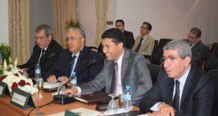 السيد عبد النبي بعوي يوقع اتفاقية شراكة لخلق وحدة  صناعية للنسيج بالناظور ستخلق أزيد من 1000 منصب شغل