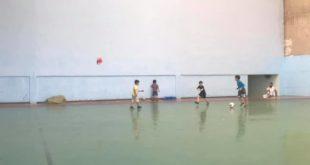 إنطلاق فعاليات النسخة الثالثة للدوري الرمضاني لكرة القدم المصغرة لفائدة أطر و موظفي القطاعين العام و الخاص بخريبكة